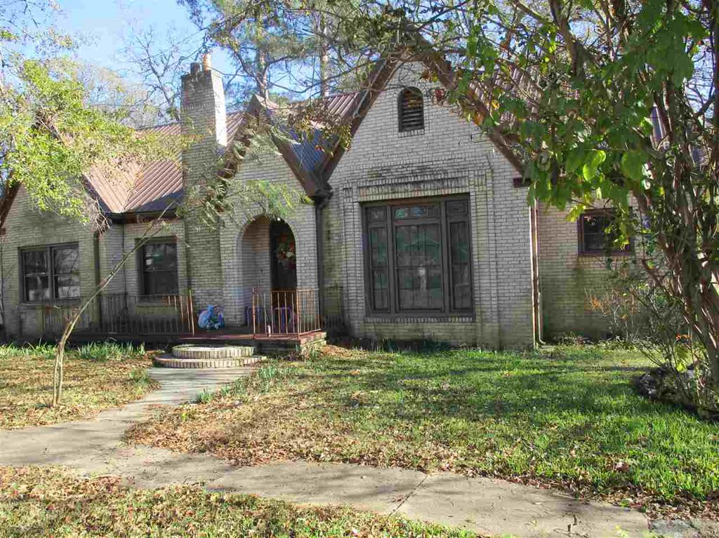 Photo of home for sale at 370 Austin, Timpson TX