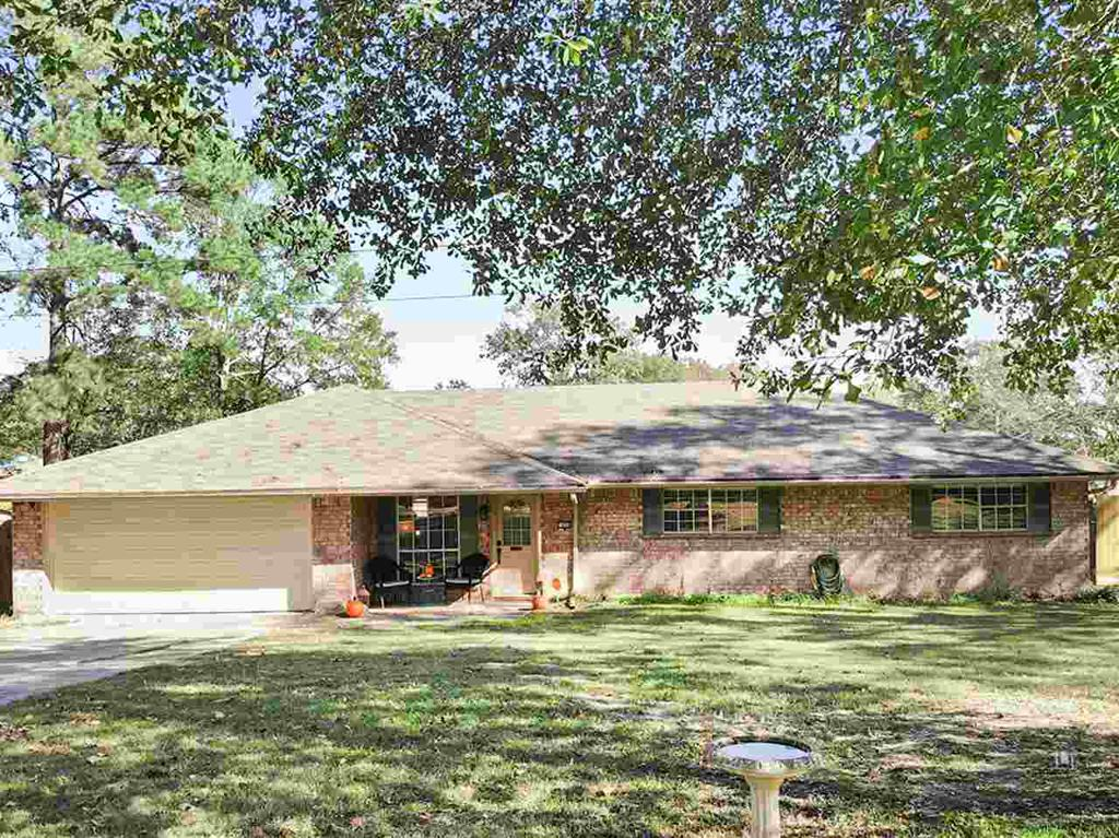 Photo of home for sale at 1020 Woodhaven St, Gladewater TX