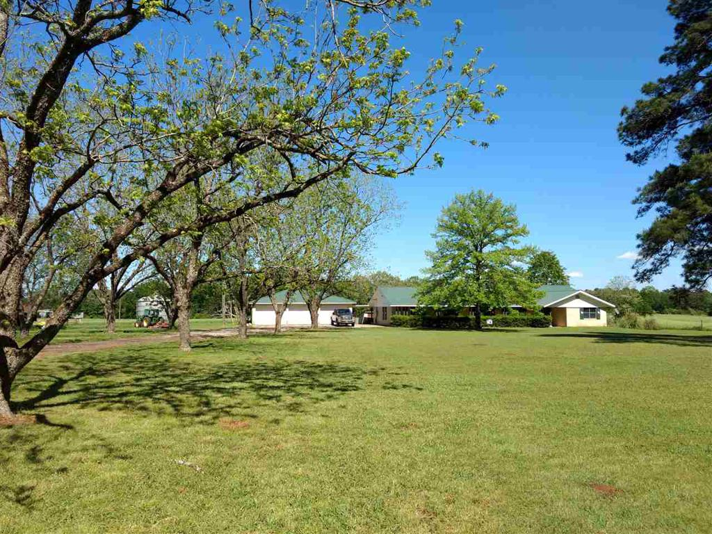 Photo of home for sale at 6029 FM 699, Tenaha TX