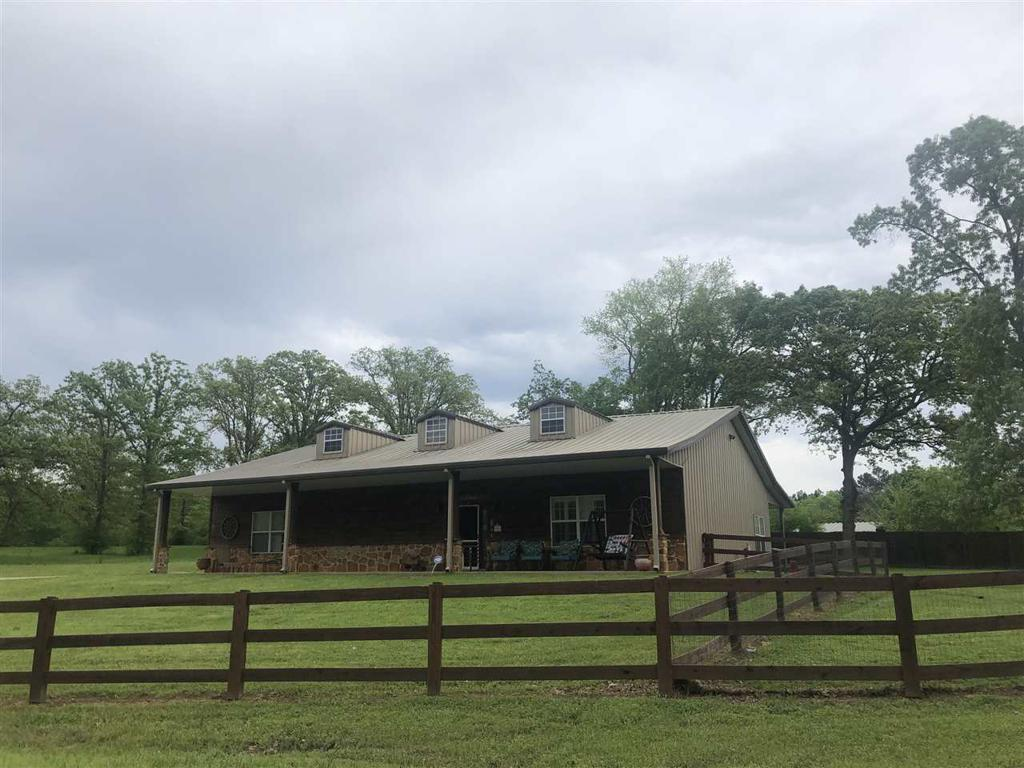 Photo of home for sale at 233 Sunbird, Gladewater TX