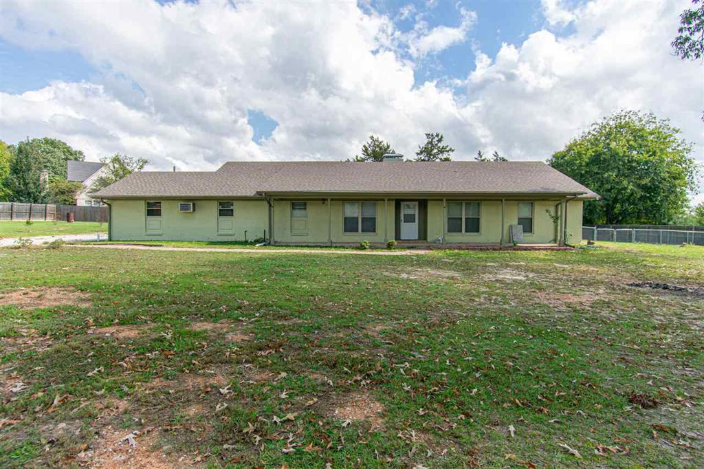 Photo of home for sale at 11209 CR 1139, Tyler TX