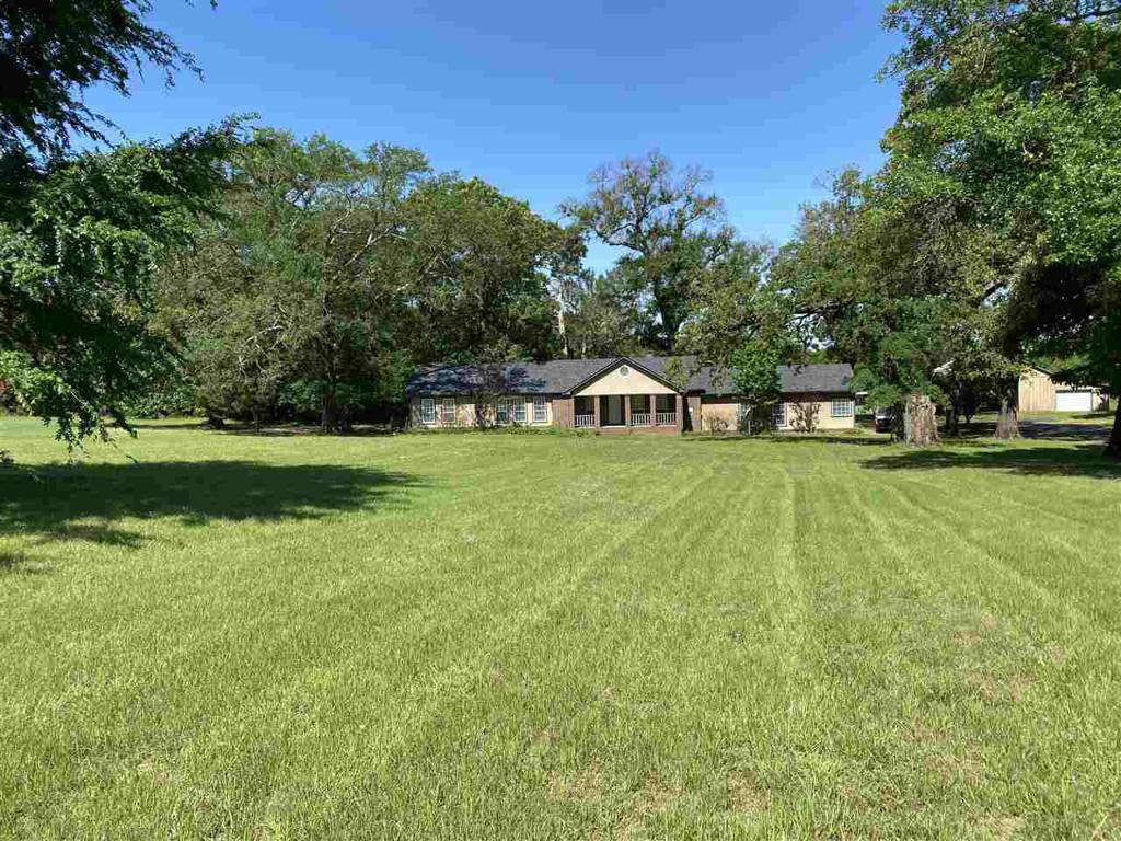 Photo of home for sale at 15362 County Road 1134, Tyler TX
