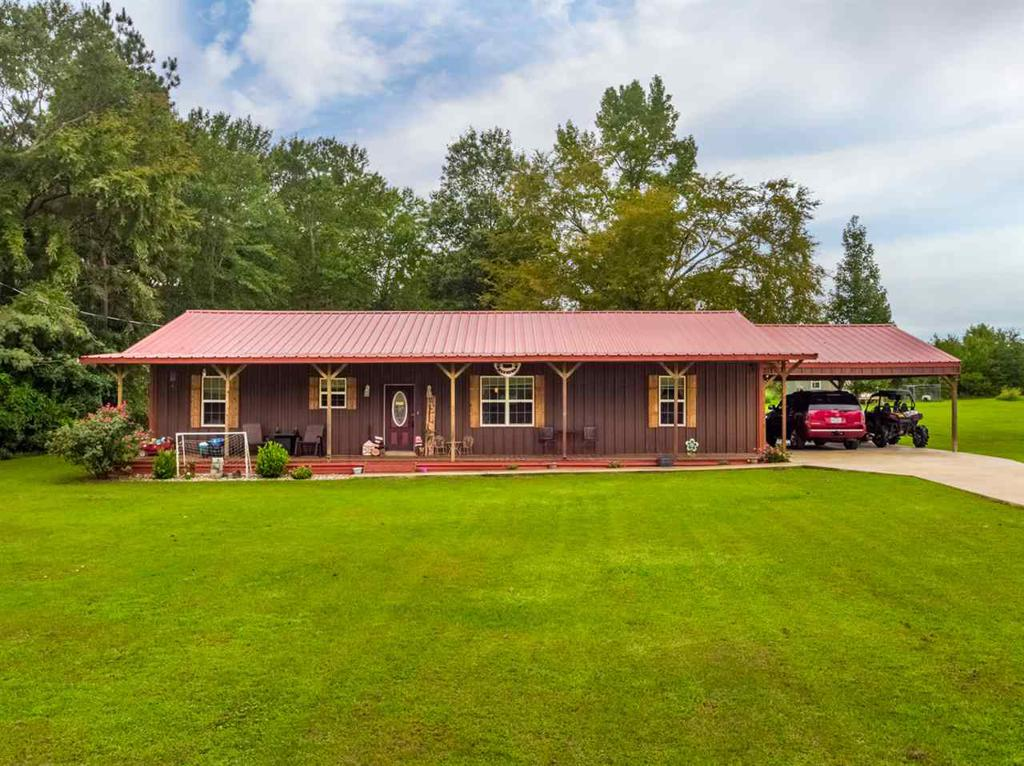 Photo of home for sale at 339 H Williams Rd, Gilmer TX
