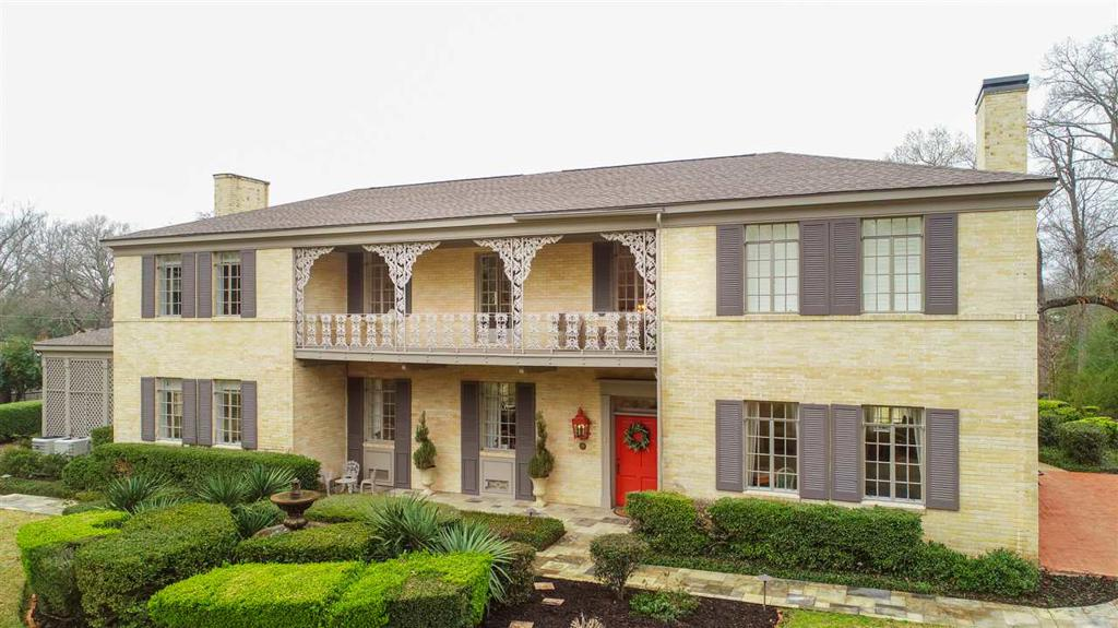 Photo of home for sale at 501 Melton St., Longview TX