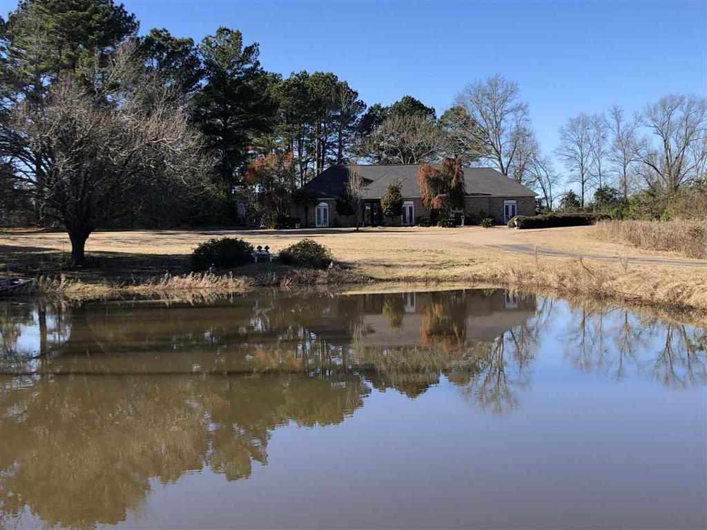Photo of home for sale at 2642 US HWY 271, Gilmer TX