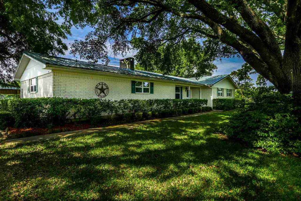 Photo of home for sale at 2815 Arrowwood Road, Gilmer TX