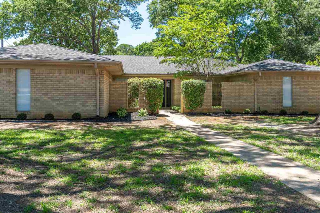 Photo of home for sale at 1501 Miami Dr, Longview TX
