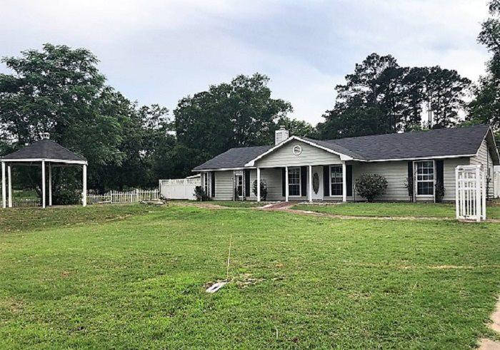 Photo of home for sale at 14993 FM 852, Gilmer TX