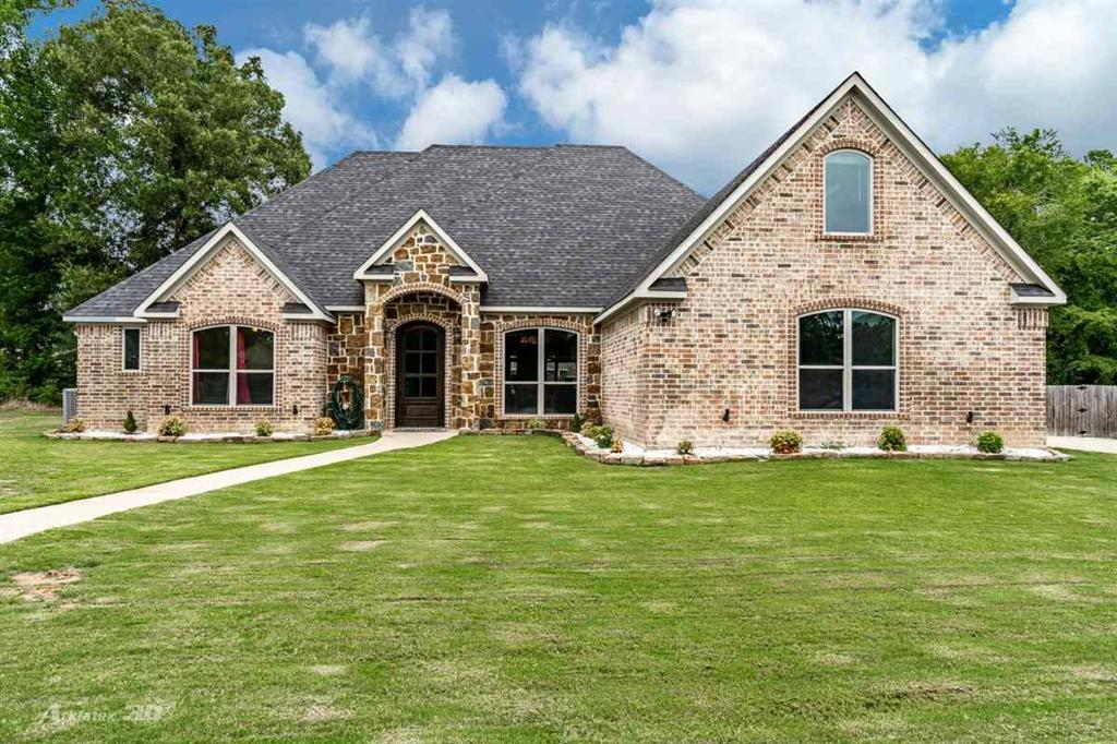 Photo of home for sale at 133 Stonegate, Carthage TX