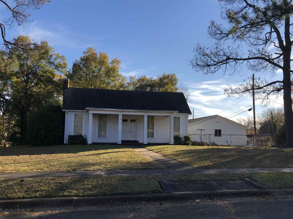 Photo of home for sale at 301 College, Marshall TX