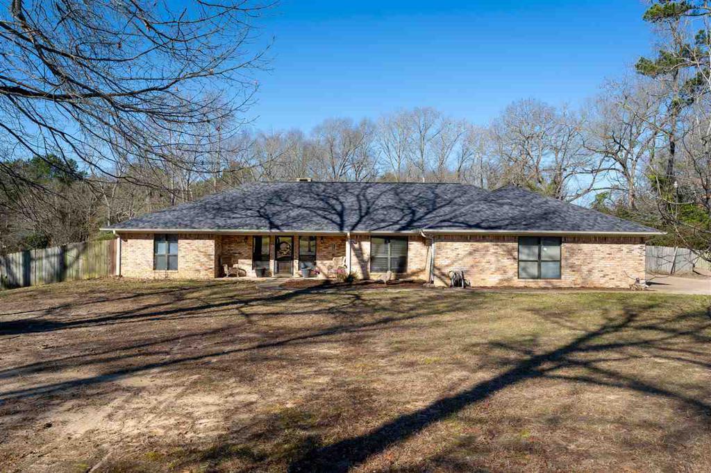 Photo of home for sale at 320 Shannas Trl, Tatum TX
