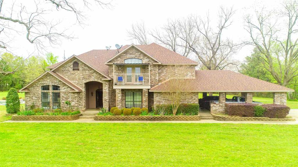 Photo of home for sale at 723 Newton Road, Marshall TX