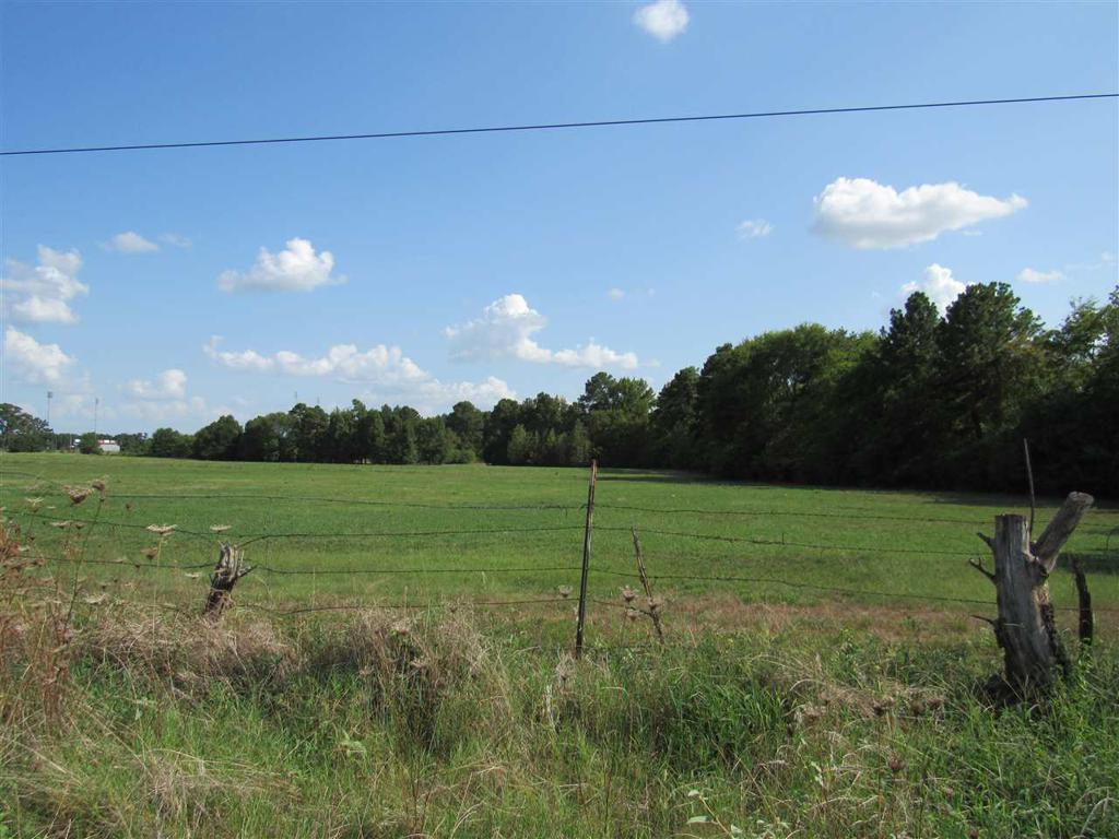 Photo of home for sale at 000 Loop 281 W., Longview TX
