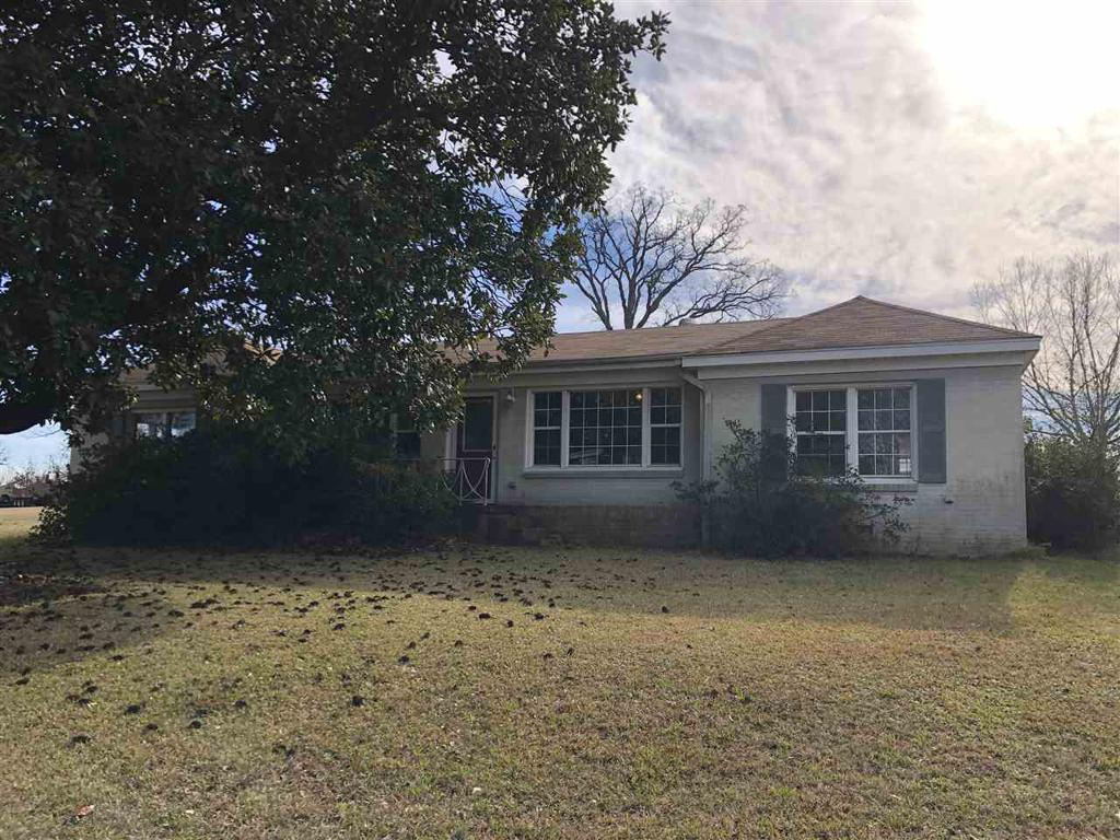 Photo of home for sale at 2174 State HWY 154, Gilmer TX