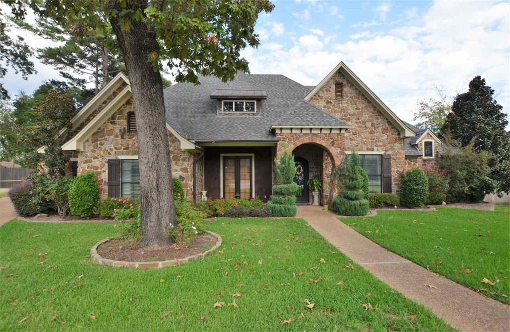 Photo of home for sale at 6546 Wheaton Ct, Tyler TX