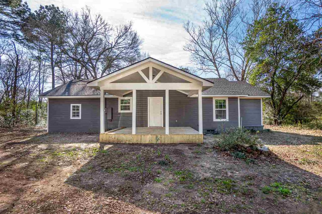 Photo of home for sale at 1174 FM 2685, Gladewater TX