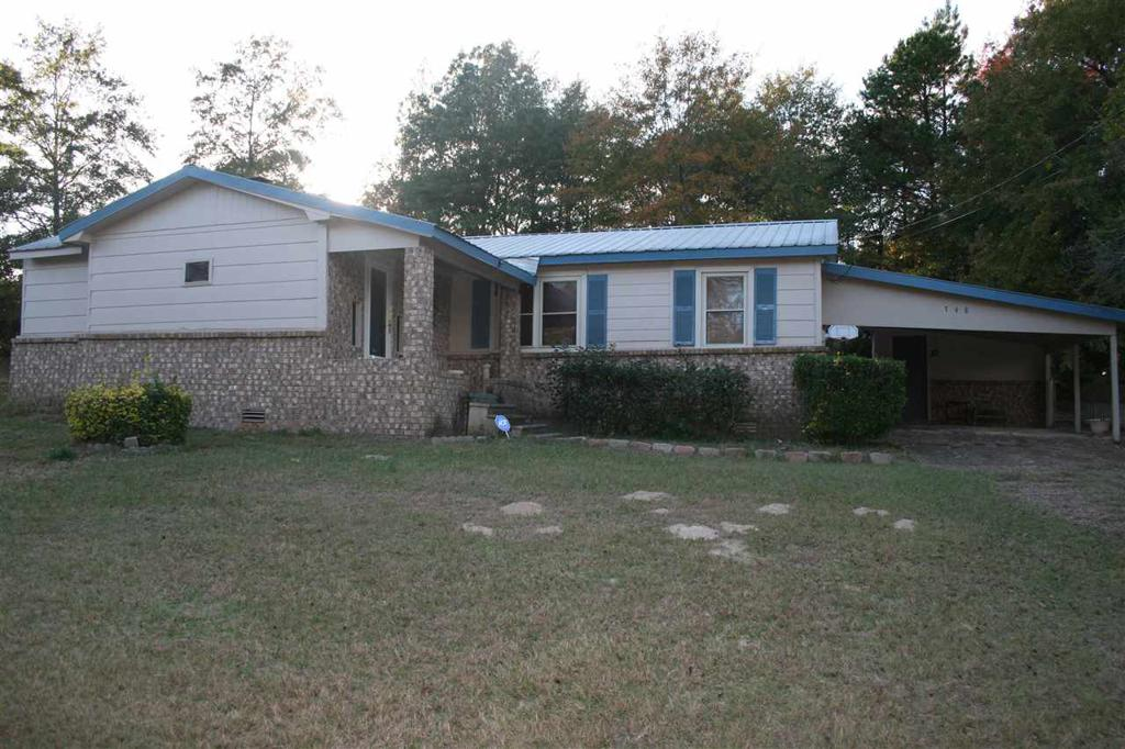 Photo of home for sale at 748 CR 2225, Douglassville TX