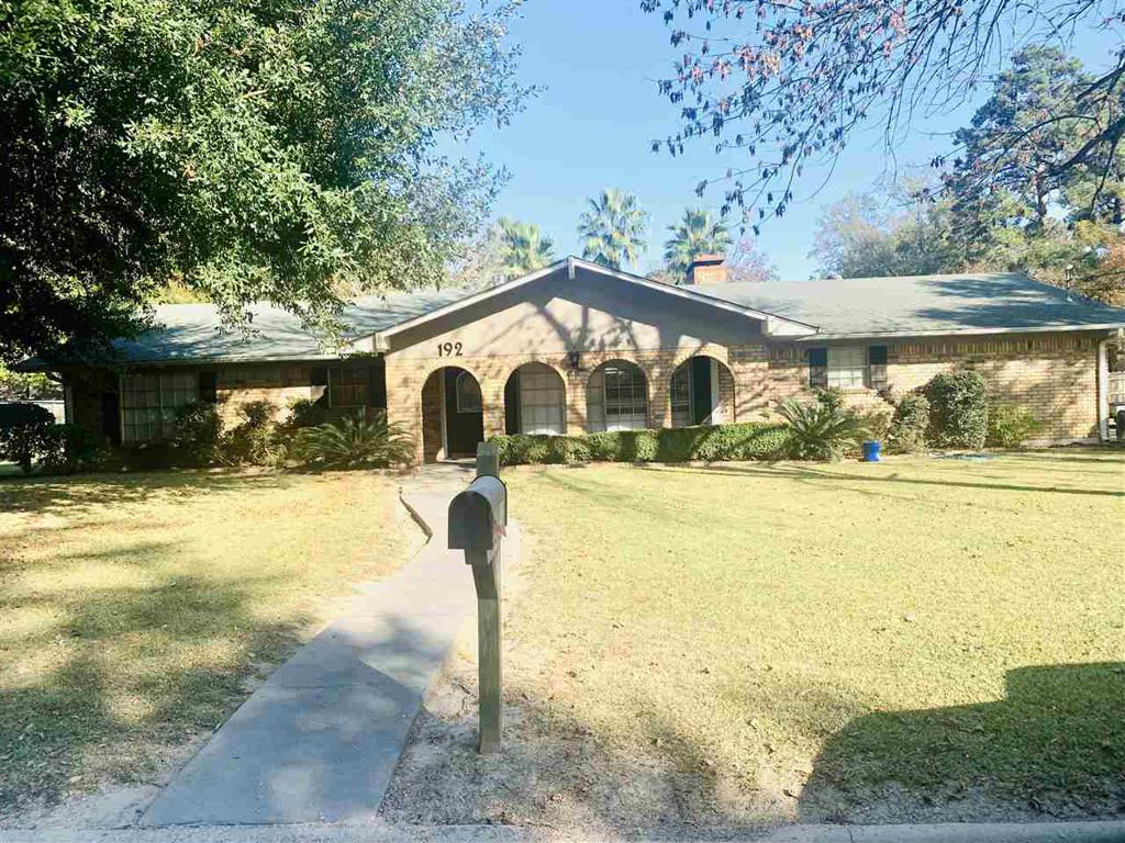 Photo of home for sale at 192 parker ln, Carthage TX