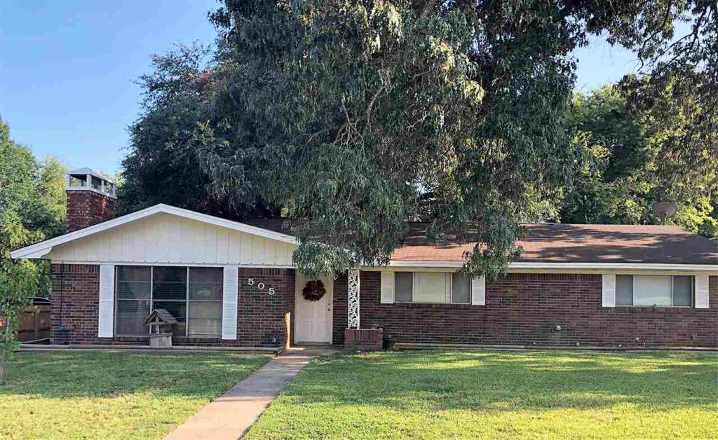 Photo of home for sale at 505 Campbell St., Linden TX