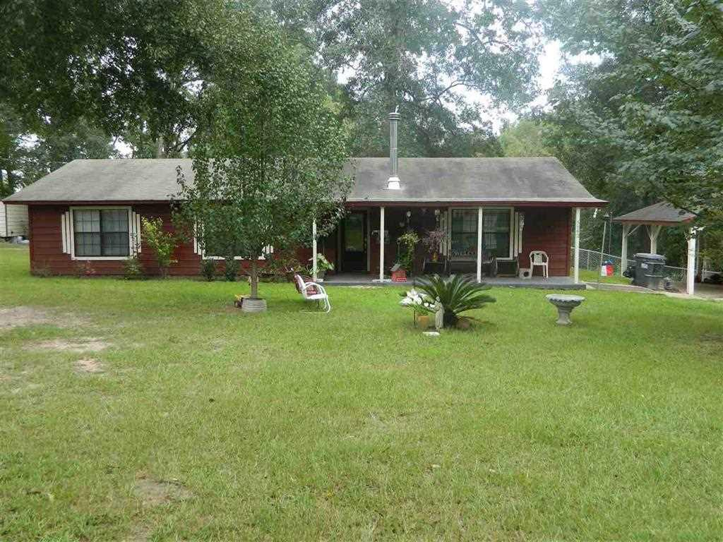 Photo of home for sale at 5142 Harris Lake Road, Marshall TX