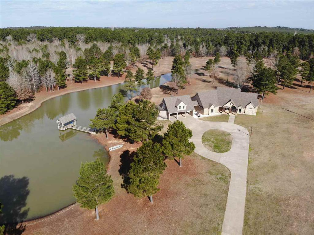 Photo of home for sale at 672 Farm to Market rd 918 W, Overton TX