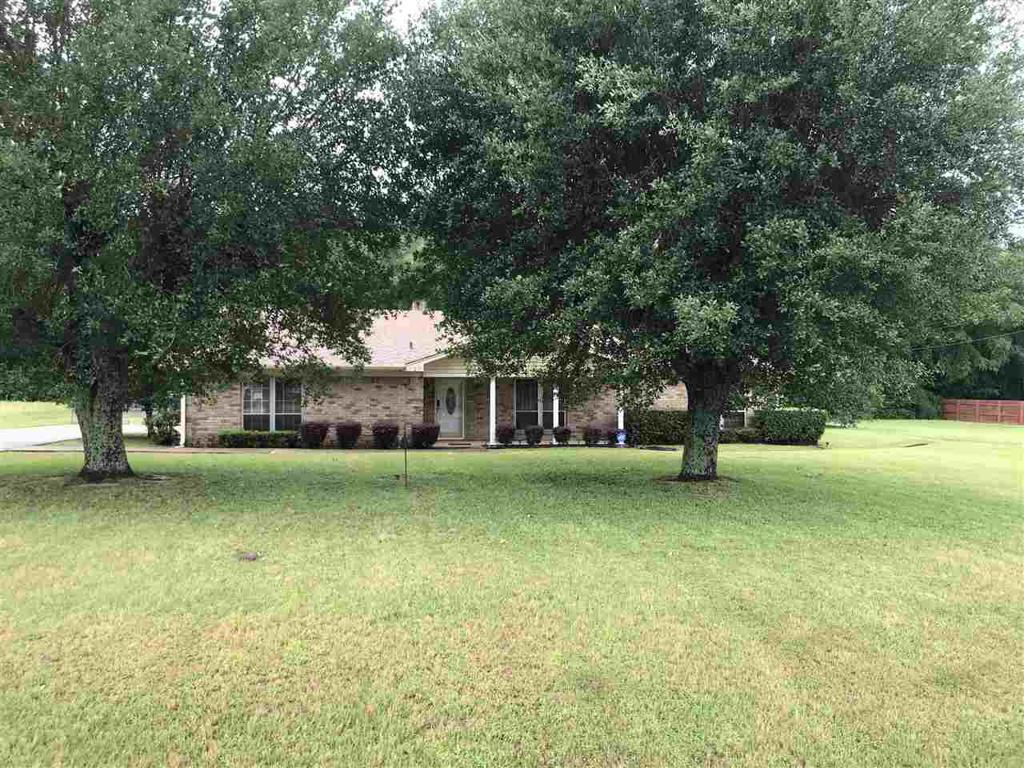 Photo of home for sale at 270 Cliffwood, Longview TX