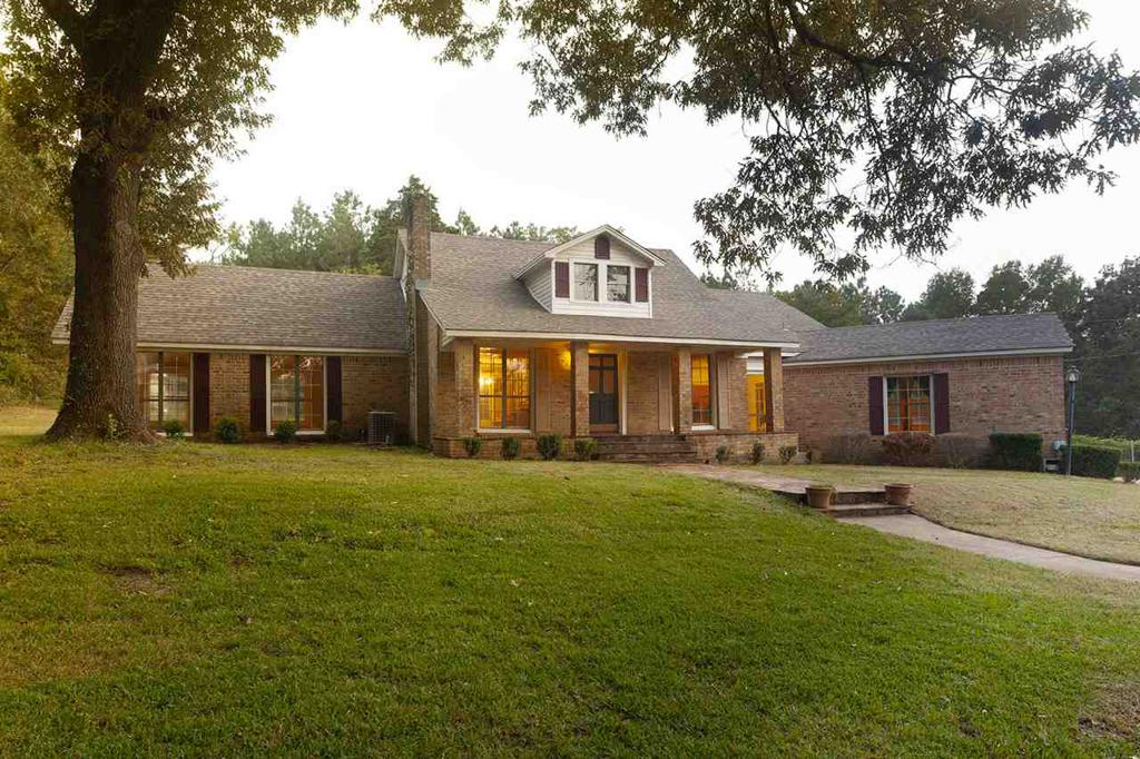 Photo of home for sale at 10543 FM 449, Hallsville TX