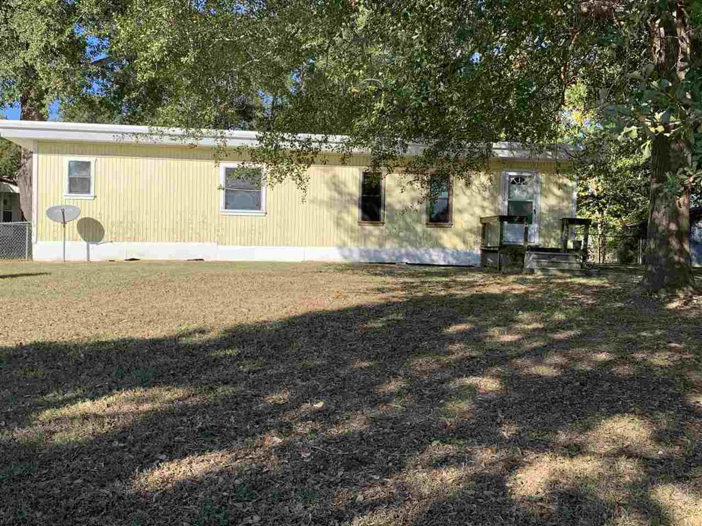 Photo of home for sale at 975 CR 184, Carthage TX