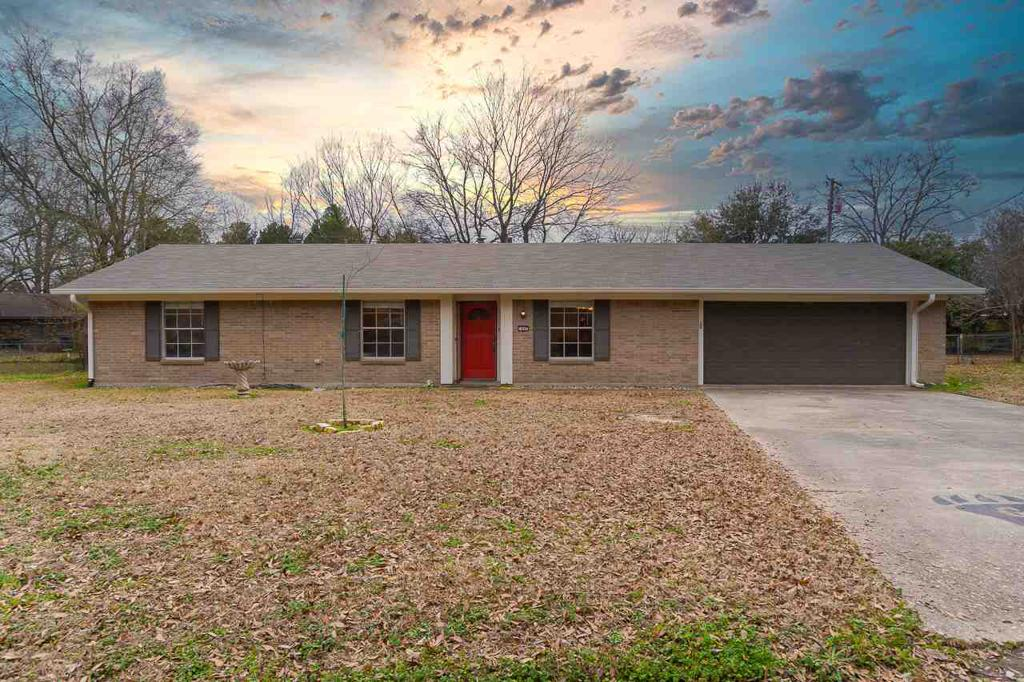 Photo of home for sale at 1047 CHEVY CHASE, Gladewater TX