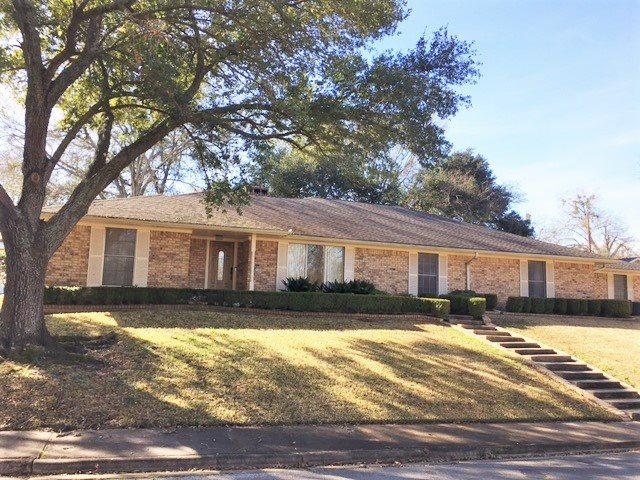 Photo of home for sale at 1206 Westwood, Henderson TX