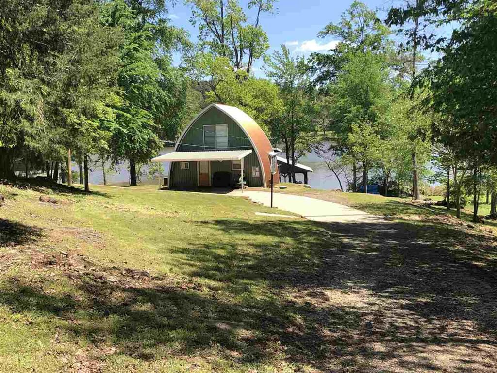Photo of home for sale at 1325 Lake, Gladewater TX