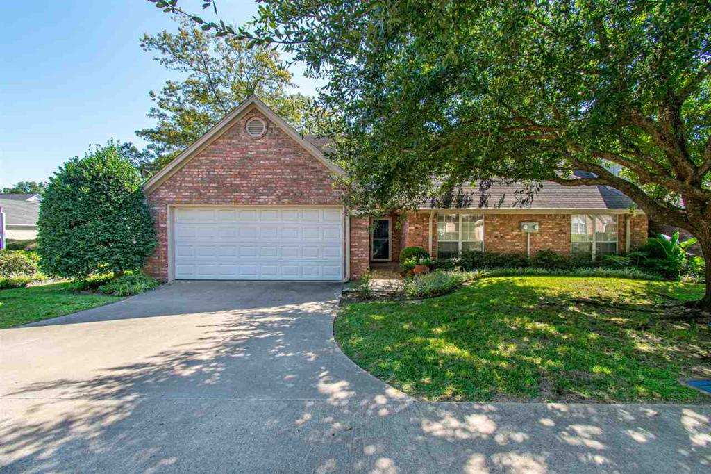 Photo of home for sale at 407 Fourth St, Chandler TX