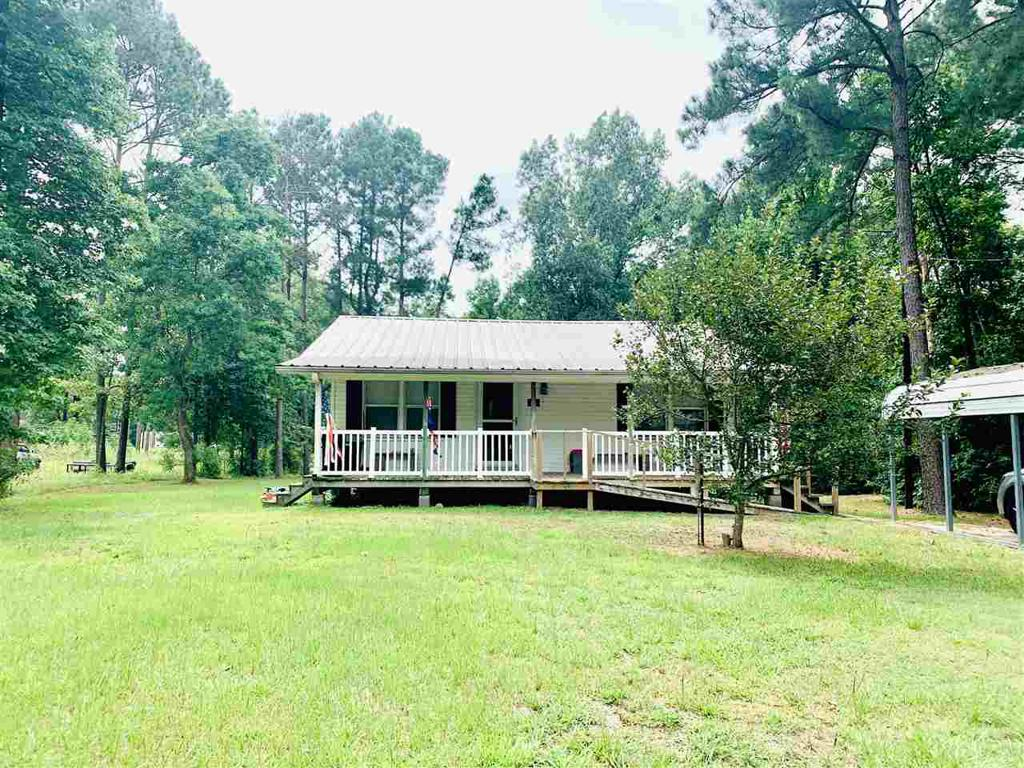 Photo of home for sale at 115 County Road 1961, Gary TX