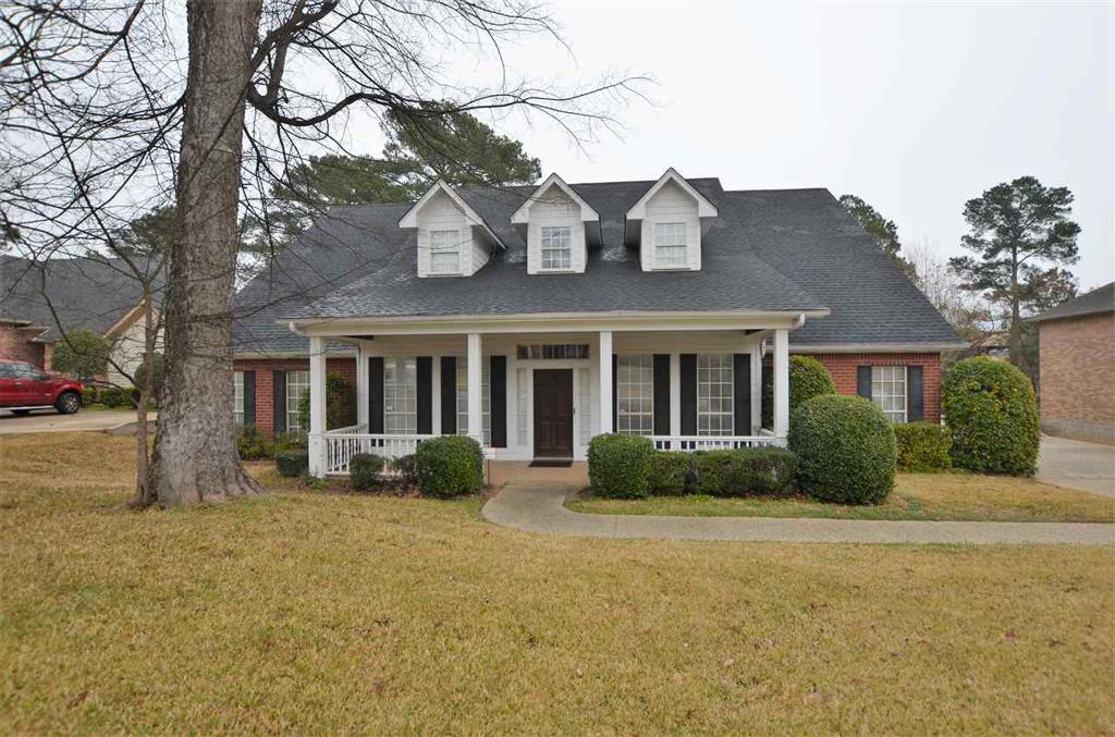 Photo of home for sale at 8502 Crooked Trail, Tyler TX