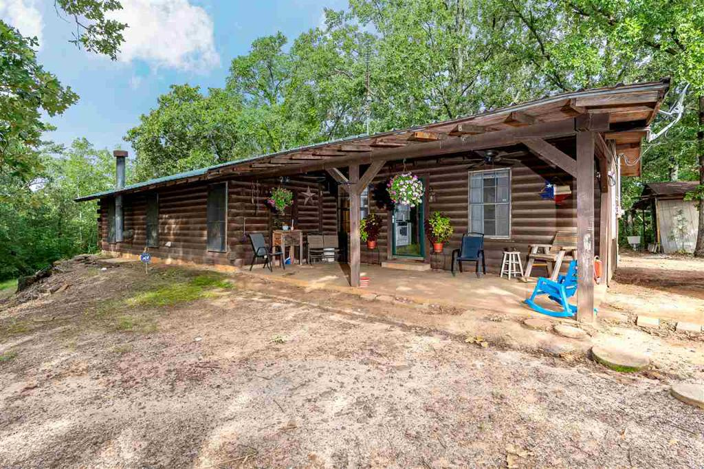 Photo of home for sale at 299 Hickory Hill Rd, Longview TX