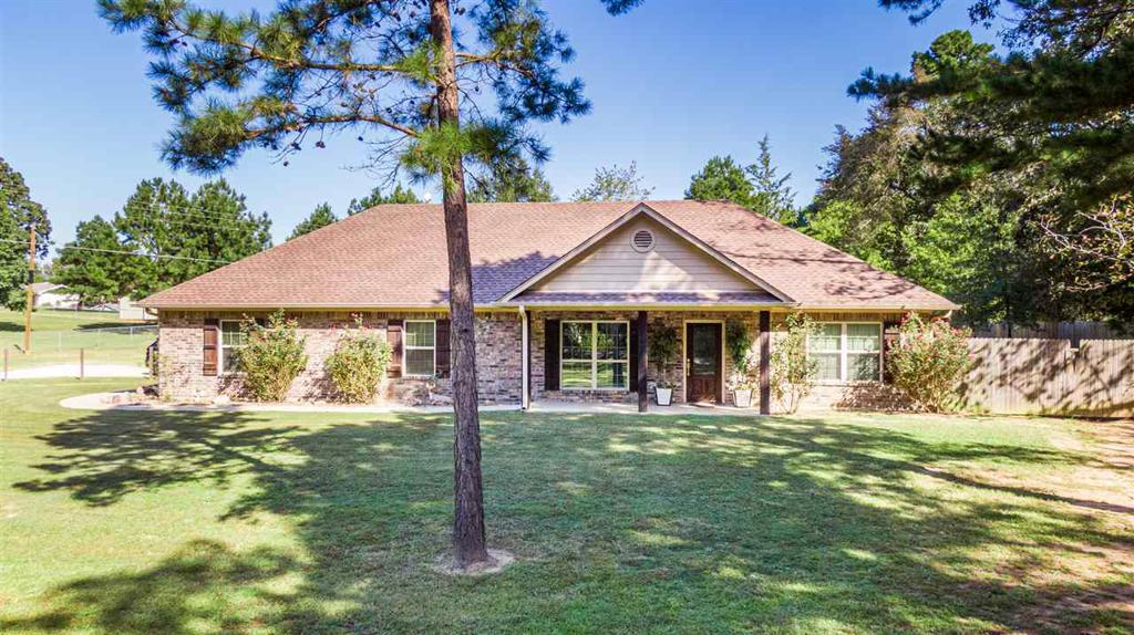Photo of home for sale at 3141 Owl Rd, Diana TX