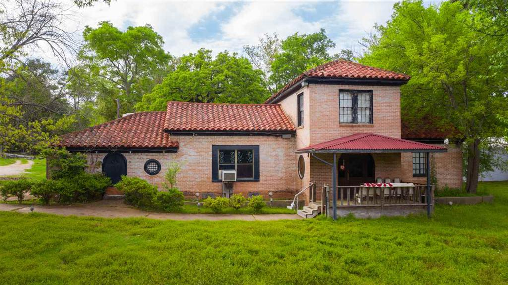 Photo of home for sale at 4620 SH 31, Kilgore TX
