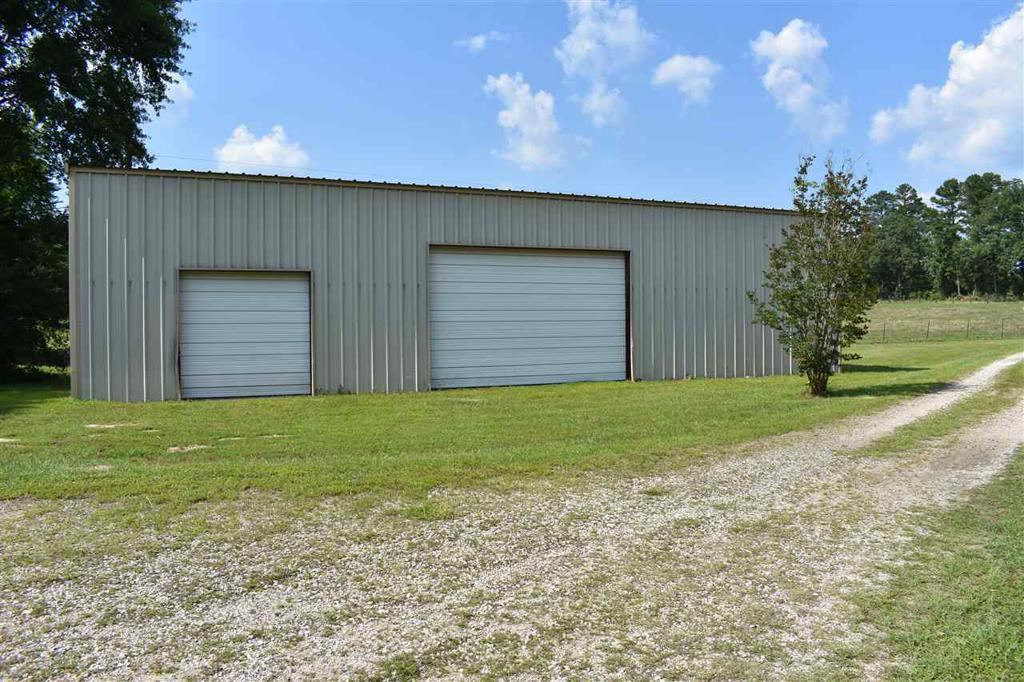 Photo of home for sale at 581 Walkers Mill Rd, Hallsville TX