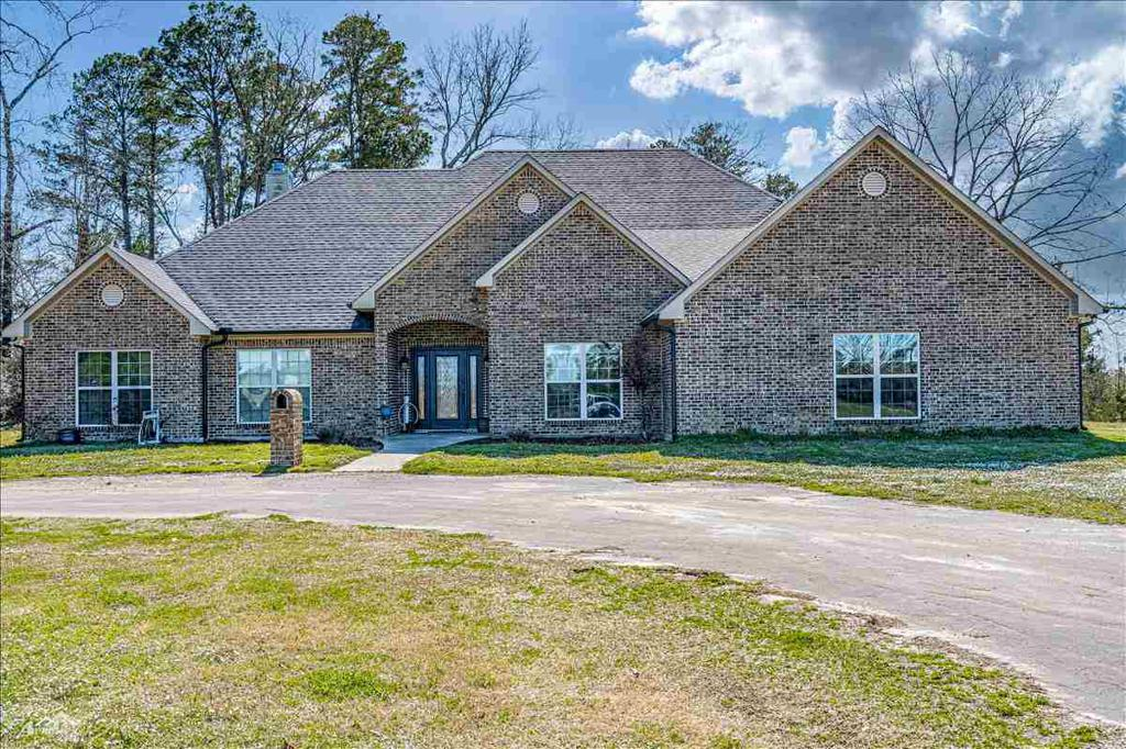 Photo of home for sale at 813 County Rd 264, Beckville TX