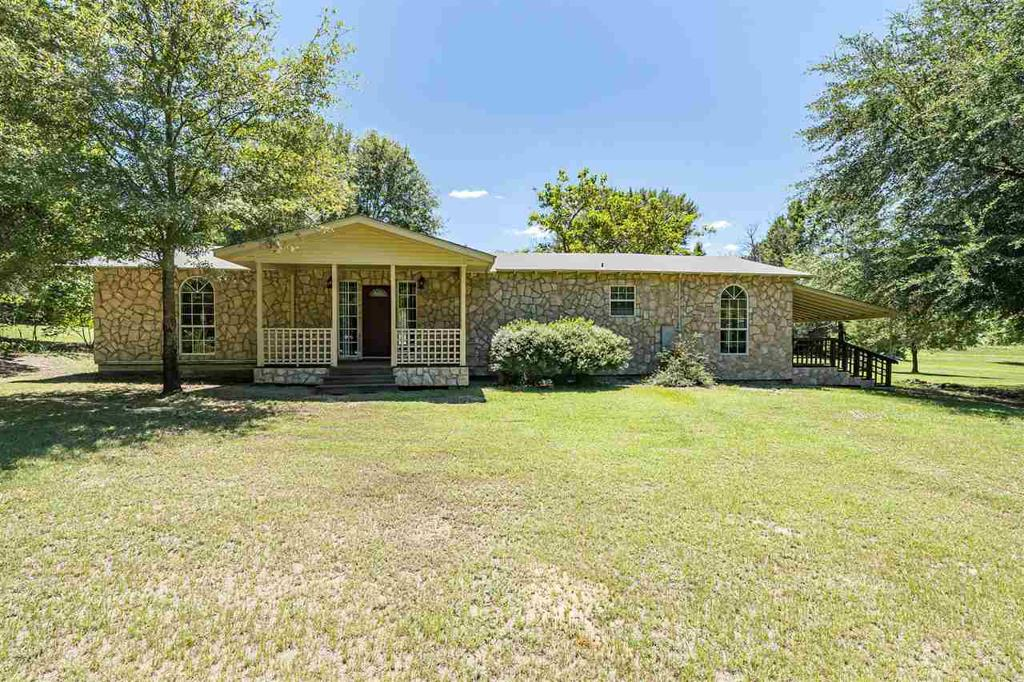 Photo of home for sale at 5978 FM 49, Mineola TX
