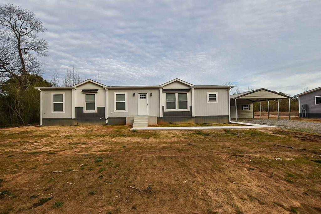 Photo of home for sale at 941 Adams St, Carthage TX