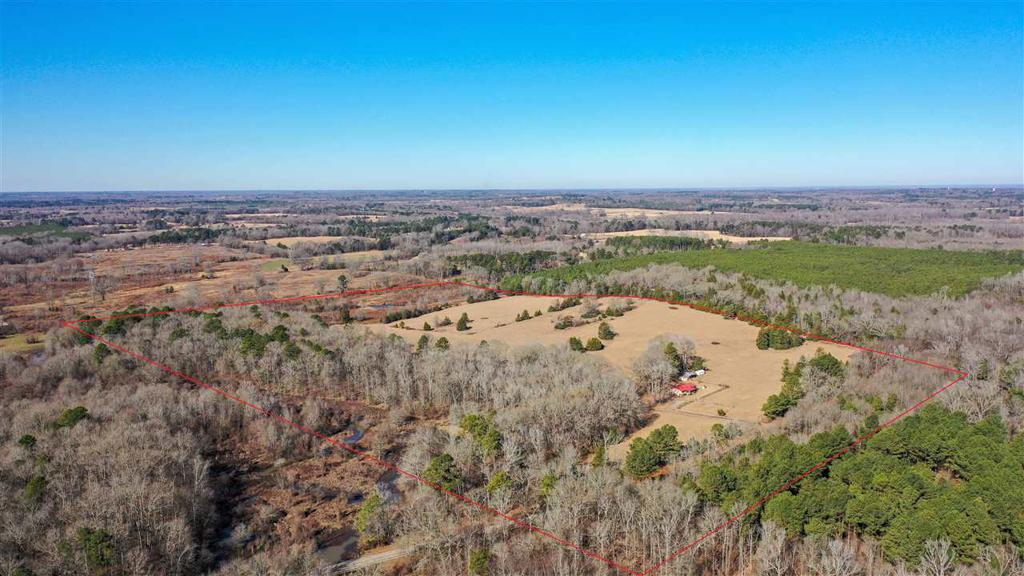 Photo of home for sale at 10261 FM 161, Hughes Springs TX