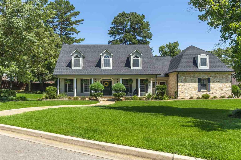 Photo of home for sale at 5005 Lavender Leaf Drive, Longview TX