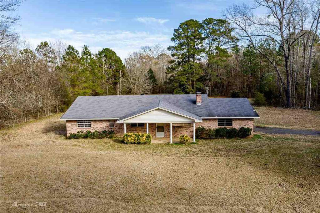 Photo of home for sale at 2063 Ireland Williams Road, Marshall TX