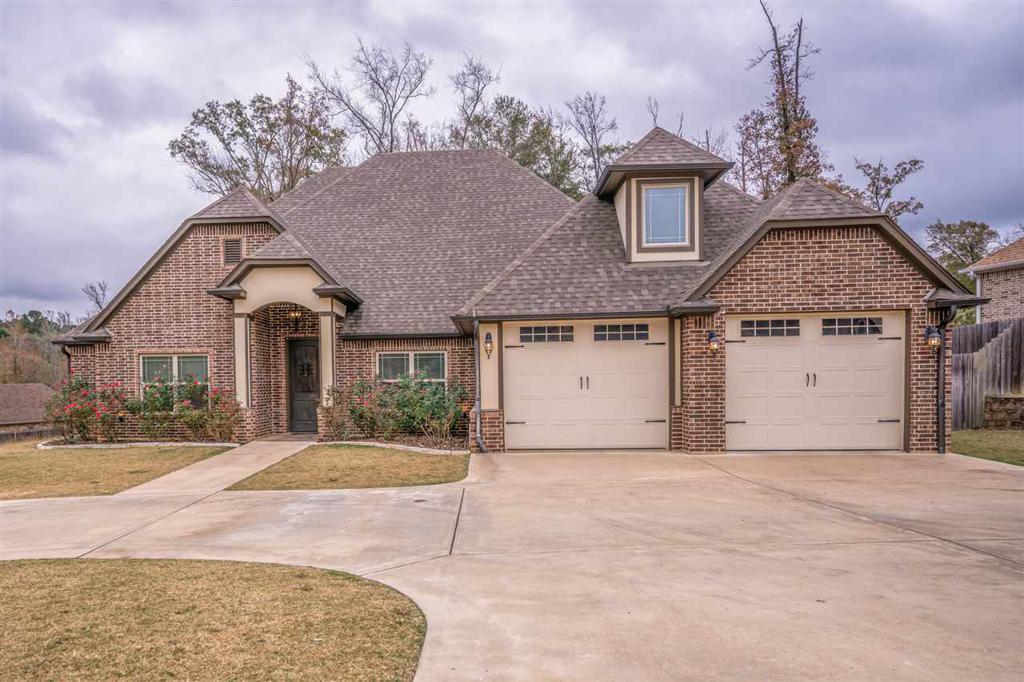 Photo of home for sale at 219 STRAIT LN, Longview TX
