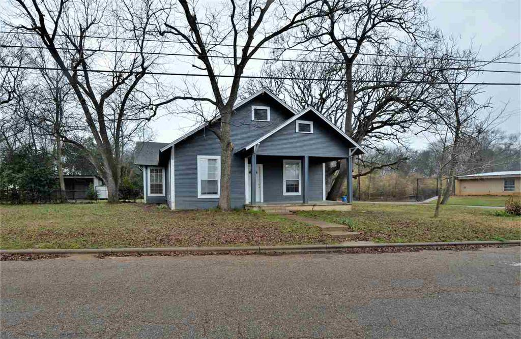 Photo of home for sale at 115 Bluff St, Hawkins TX