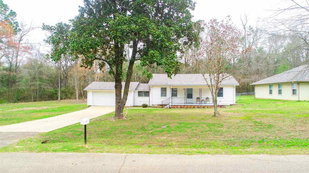 Photo of home for sale at 201 Hill St, Longview TX