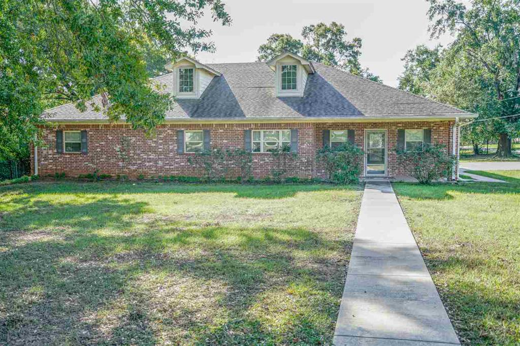 Photo of home for sale at 205 Walnut, Hallville TX