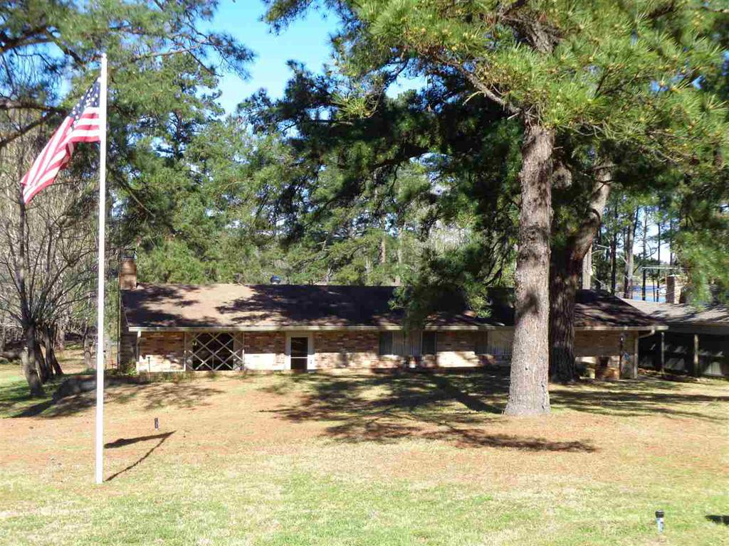Photo of home for sale at 399 Tejas Rd, Jefferson TX