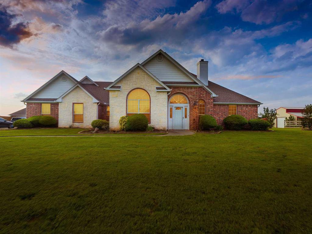 Photo of home for sale at 1424 Lazy Daisy Rd., Gilmer TX